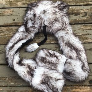 Furry wolf hat with hand warmers